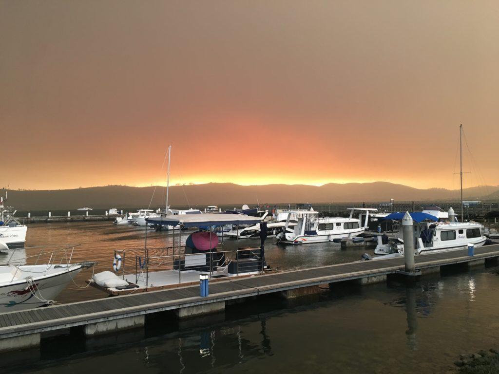 Ein Waldbrand auf der Garden Route. Knysna, Südafrika, November 2018