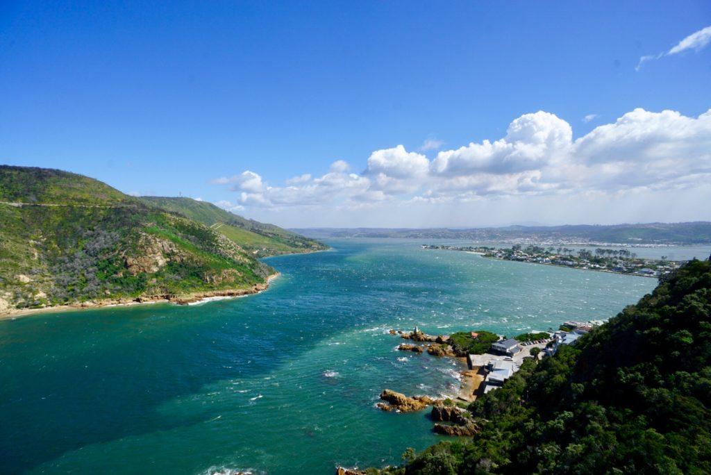 (Die Bucht um) Knysna ist ein Höhepunkt der Garden Route von Südafrika